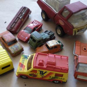 Nombreuses voitures toutes marques et toutes tailles